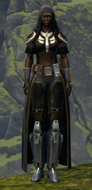 Unburdened Champion Armor Set Outfit from Star Wars: The Old Republic.